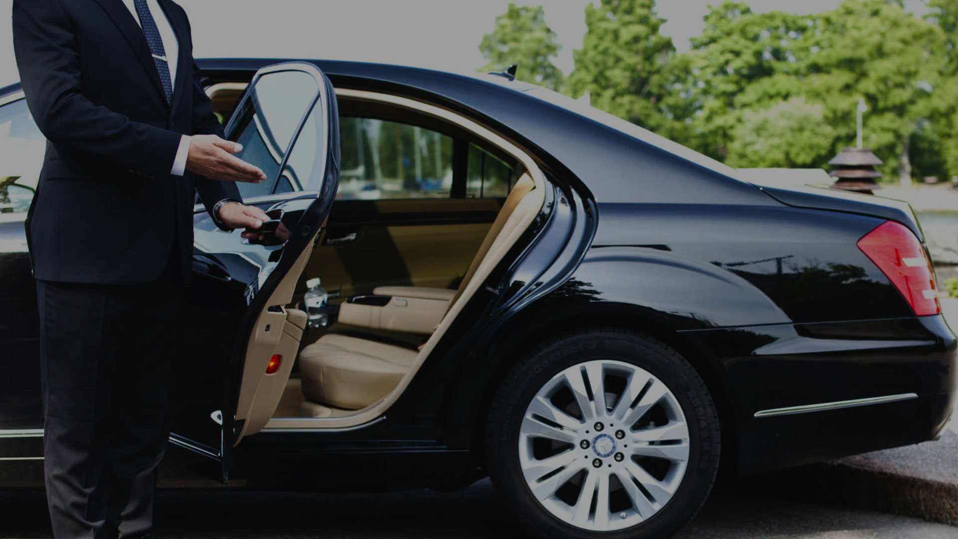 chauffeur-car-hire-Sydney-slidev2